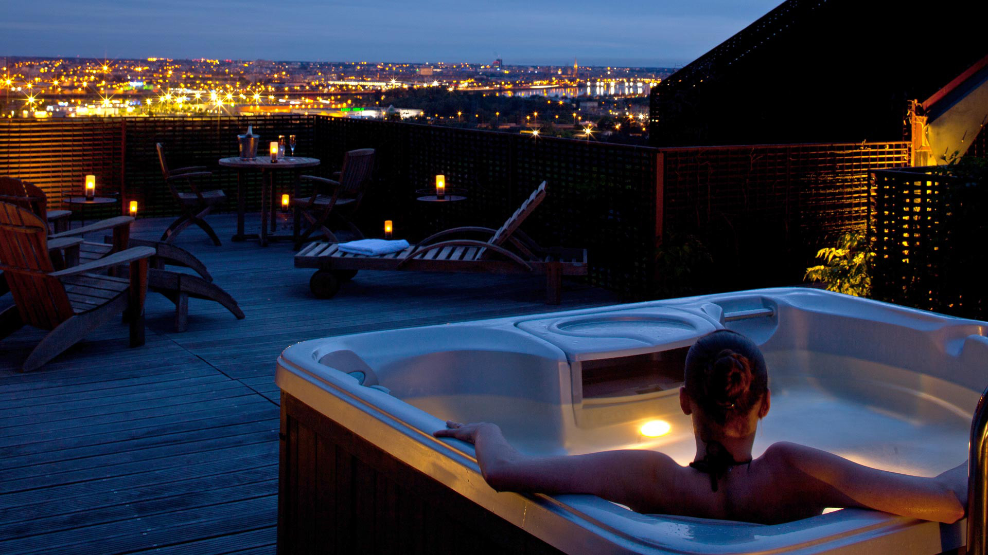 La Suite Jacuzzi - Saint-James Bouliac